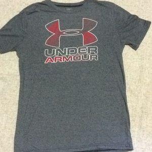 Under Armour Shirts & Tops - Under Armour Boys YXL short sleeve gray loose